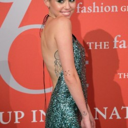 miley-cyrus-emerald-green-marc-jacobs-gown-beauty-and-the-beat-blog