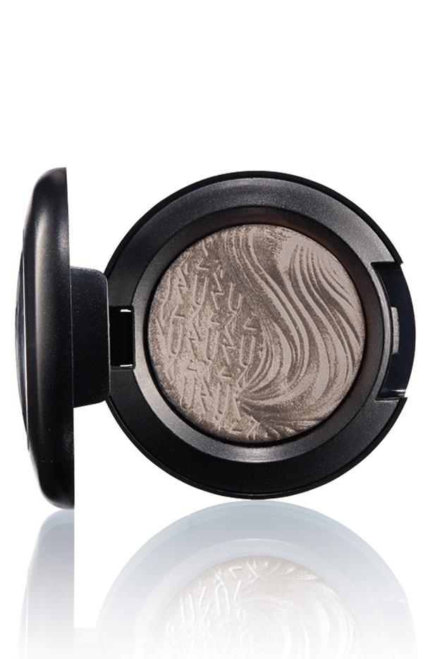 Natural Light Pearl Grey Eye Shadow