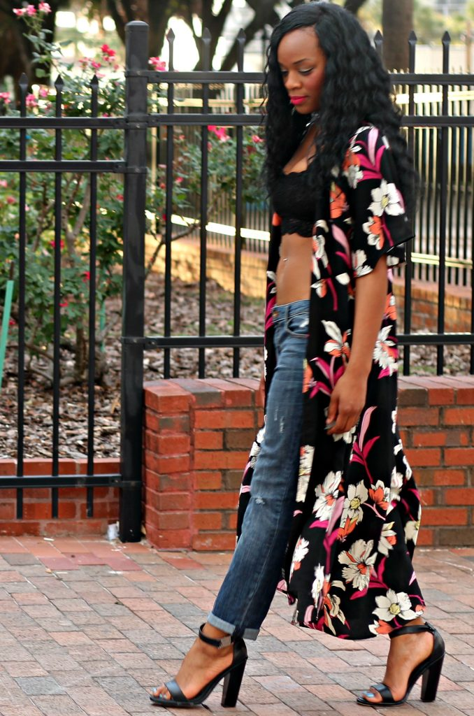 ootd-flower-foral-colorful-long-duster-lace-crop-top-bralette-boyfriend-jeans-strappy-lack-topshop-heels-beauty-and-the-beat-blog